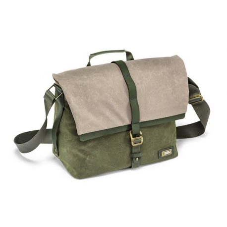 NATIONAL GEOGRAPHIC NG RF2450 Rain Forest Camera Messenger Bag